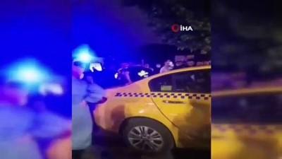 ticari taksi -  Bayrampaşa'da 1 kişinin öldüğü feci trafik kazası kamerada