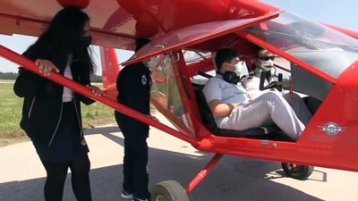 BURSA - Geleceğin pilotlarına Bursa semalarında uçuş deneyimi yaşatıyorlar