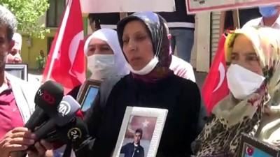 kiz kardes -  Çocuğunu terörün elinden kurtarmak isteyen bir anne daha HDP önündeki evlat nöbetine katıldı