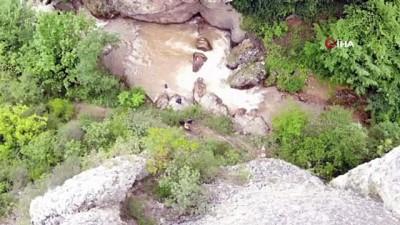 kayali -  Kanyondan düştüğü tahmin edilen işçi için ekipler seferber oldu