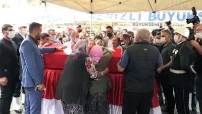 cenaze araci - DENİZLİ - Silahlı saldırıda şehit olan polis memuru, son yolculuğuna uğurlandı