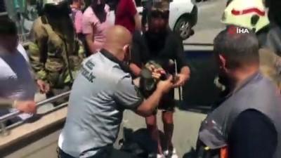 Şişli'de ayağı yürüyen merdivene sıkışan süs köpeğini kurtarma operasyonu