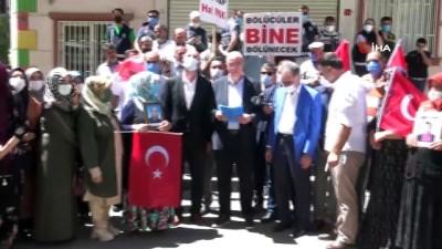 beraberlik -  AK Parti Karaman il teşkilatından evlat nöbetindeki ailelere ziyaret