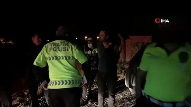 arac kullanmak -  Kaza yaptığını fark etmeyen alkollü sürücü kovalamaca sonucu yakalandı