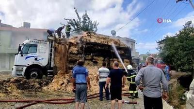 itfaiye eri -  Saman yüklü kamyon yandı