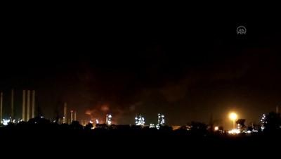 petrol rafinerisi - TAHRAN - İran'ın başkenti Tahran'ın güneyindeki Şehid Tondguyan Petrol Rafinerisinde büyük bir yangın çıktı