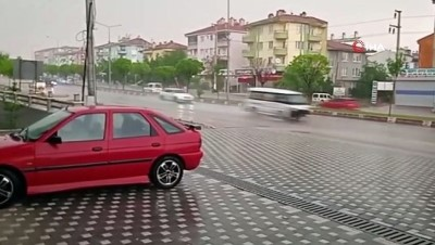 karahisar -  Afyonkarahisar'da dolu ve sağanak yağış etkili oldu