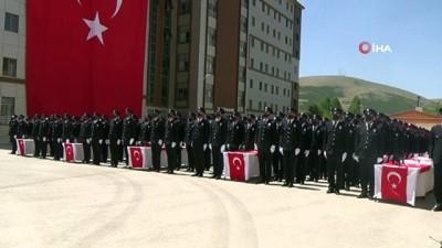 psikoloji -  Bayburt'ta polis adaylarının mezuniyet sevinci