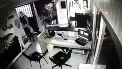 olay yeri inceleme -  Esenyurt'ta polis merkezinde ölen kişi hakkında savcılık açıklama yaptı