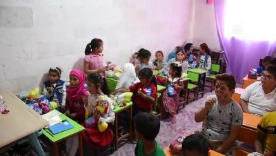 yasam mucadelesi - AZEZ  - Türkiye'den üniversite öğrencileri, Suriye'de dağıttıkları oyuncaklarla 2 bin 500 çocuğu mutlu etti