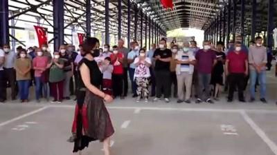 kalp krizi - İZMİR - Kiraz ilçesinde 5 bin metrekarelik çok amaçlı pazar yeri törenle hizmete açıldı