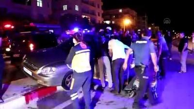 olay yeri inceleme - KARAMAN - Hafif ticari araç ile otomobil çarpıştı: 2 yaralı