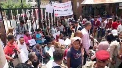 yazili aciklama - TAİZ - Yemen'de savaş mağduru gaziler, maaşlarının ödenmesi talebiyle gösteri düzenledi