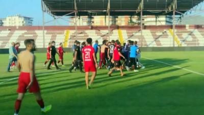 futbol maci - HATAY - Amatör futbol maçında kavga