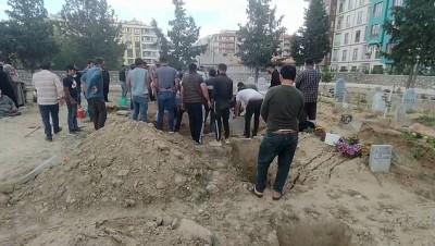 kiz kardes - KONYA - Suriyeli ailenin kaldığı evde çıkan yangında ölen 3 çocuğun cenazesi toprağa verildi