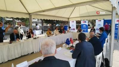 """egitim sistemi -  AB Büyükelçisi Nikolaus;  """"Türk ve Suriyeli gençlerin eğitimi önemli"""""""