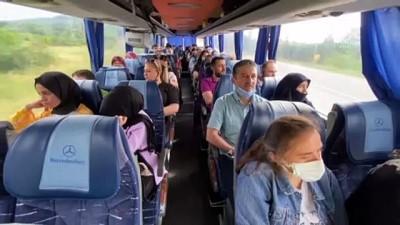 eziler - KASTAMONU - Otobüsün direksiyonuna geçen Belediye Başkanı, ilçe halkını Çanakkale'ye götürdü