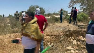 goz yasartici gaz -  - İsrail güçleri, Nablus'ta Filistinlilere müdahale etti