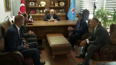 kutlay - İSTANBUL - Ulaştırma ve Altyapı Bakanı Karaismailoğlu, Denizciler Sendikası'nı ziyaret etti