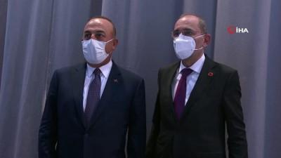 Bakan Çavuşoğlu, Ürdünlü mevkidaşı Safadi ile bir araya geldi