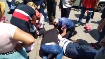 kalp masaji -  Kalp krizi geçiren adama polisten kalp masajı