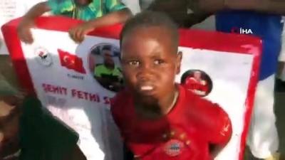 teror saldirisi -  - Türkiye'den Afrikaya uzanan iyilik hareketi - Suyu gören Afrikalı çocukların sevinci duygulandırdı Videosu