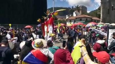 BOGOTA - Kolombiya'da hükümet karşıtı protestolar devam ediyor