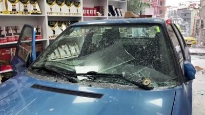 yasam mucadelesi -  Direksiyonda kalp krizi geçirip dükkana giren sürücü yaşam mücadelesini kaybetti