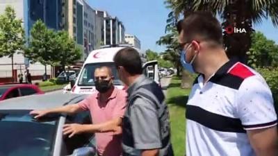112 acil servis -  Direksiyon başında fenalaşan sürücünün son refleksi muhtemel faciayı önledi Videosu