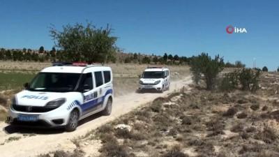 sehirlerarasi otobus -  Göçmenler otobüsten inip kaçtı polis ve jandarma kovaladı