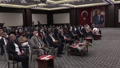 EDİRNE - CHP Grup Başkanvekili Özel, 'Laiklik Üzerine Düşünceler' paneline katıldı