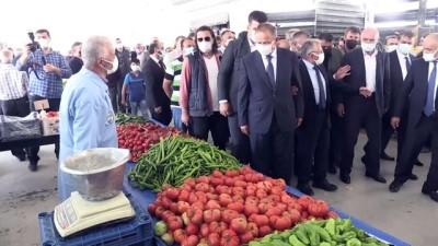 KAYSERİ - Özhaseki: 'Bakanlıkları nasıl bölüşüyorsunuz söyler misiniz''