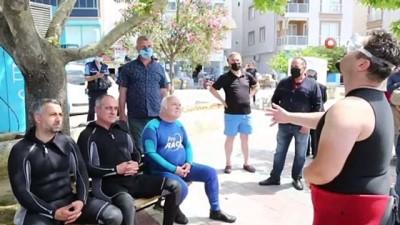 yurttas -  Belediye Başkanı çevre gününde deniz salyası için dalış yaptı