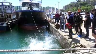 20 dakika -  Denizden çıkan atıklar kirliliği gözler önüne serdi