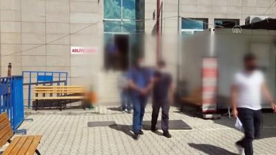 polis araci - ERZİNCAN - Uygulama noktasında durdurulan araçta 4 göçmen yakalandı