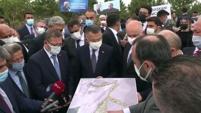 YOZGAT - Cumhurbaşkanı Yardımcısı Oktay, Sorgun'da millet bahçesi alanında inceleme yaptı (2)