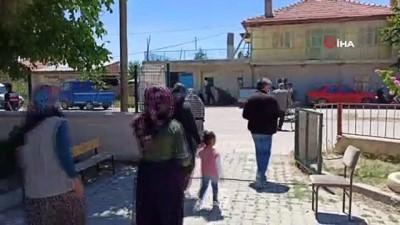 bayram havasi -  Atlıhisar Köyü'nde muhtarlık seçiminde 6 aday kıyasıya mücadele veriyor