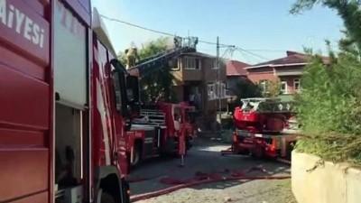 elektrik kontagi - İSTANBUL - Beykoz'da bir binanın çatısında çıkan yangın söndürüldü