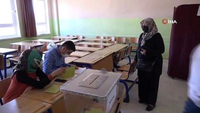 kalp krizi -  Aksaray'daki 2 mahallenin muhtarlık seçim sonuçları açıklandı
