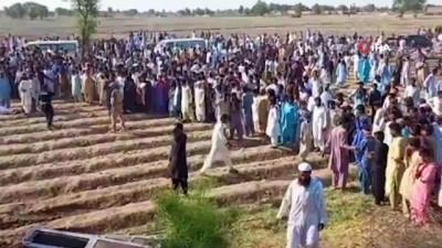 - Pakistan'daki tren kazasında ölü sayısı 36'ya yükseldi