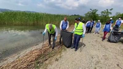 hassasiyet - SAKARYA - Gönüllüler, Karadeniz sahili ile Sapanca Gölü çevresindeki çöpleri topladı