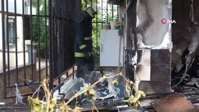 korkuluk -  Giriş kattaki daire alev topuna döndü: 1 yaralı
