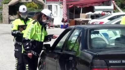 Trafikte işitme engellilerin sesi olmak için işaret dili öğrendi