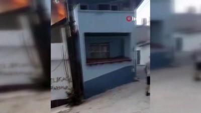 Balıkesir'de korkutan yangın...Vatandaşların panik içinde kaçıştığı anlar kamerada