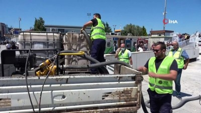 Çanakkale Boğazı'nda müsilaj temizliğine devam ediliyor