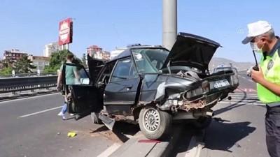 ust gecit - KAYSERİ - İki otomobil çarpıştı: 3 yaralı