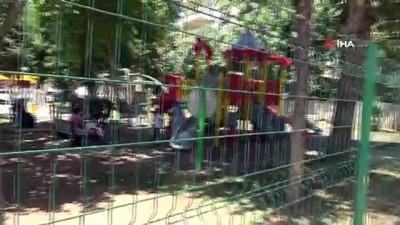 psikoloji -  Mahalle muhtarı, çocuklar için mini hayvanat bahçesi yaptı