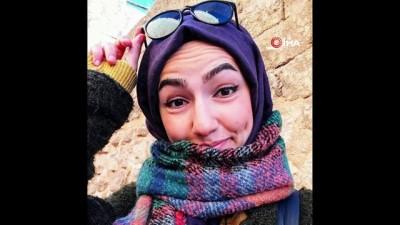 kiz arkadas -  Nişantaşı'nda başörtülü akademisyene yumruklu saldırı