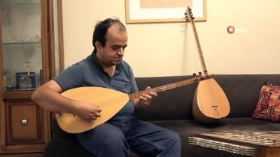 - İran'da görme engelli sanatçı 50'nin üzerinde müzik aleti çalıyor