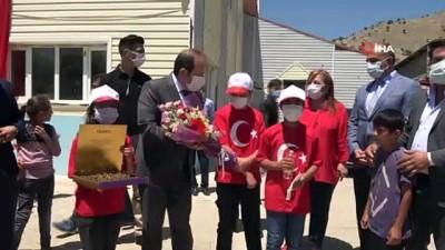 kiz kardes -  Şehit Esma Çevik ve Kemal Sayar adına kütüphane açıldı
